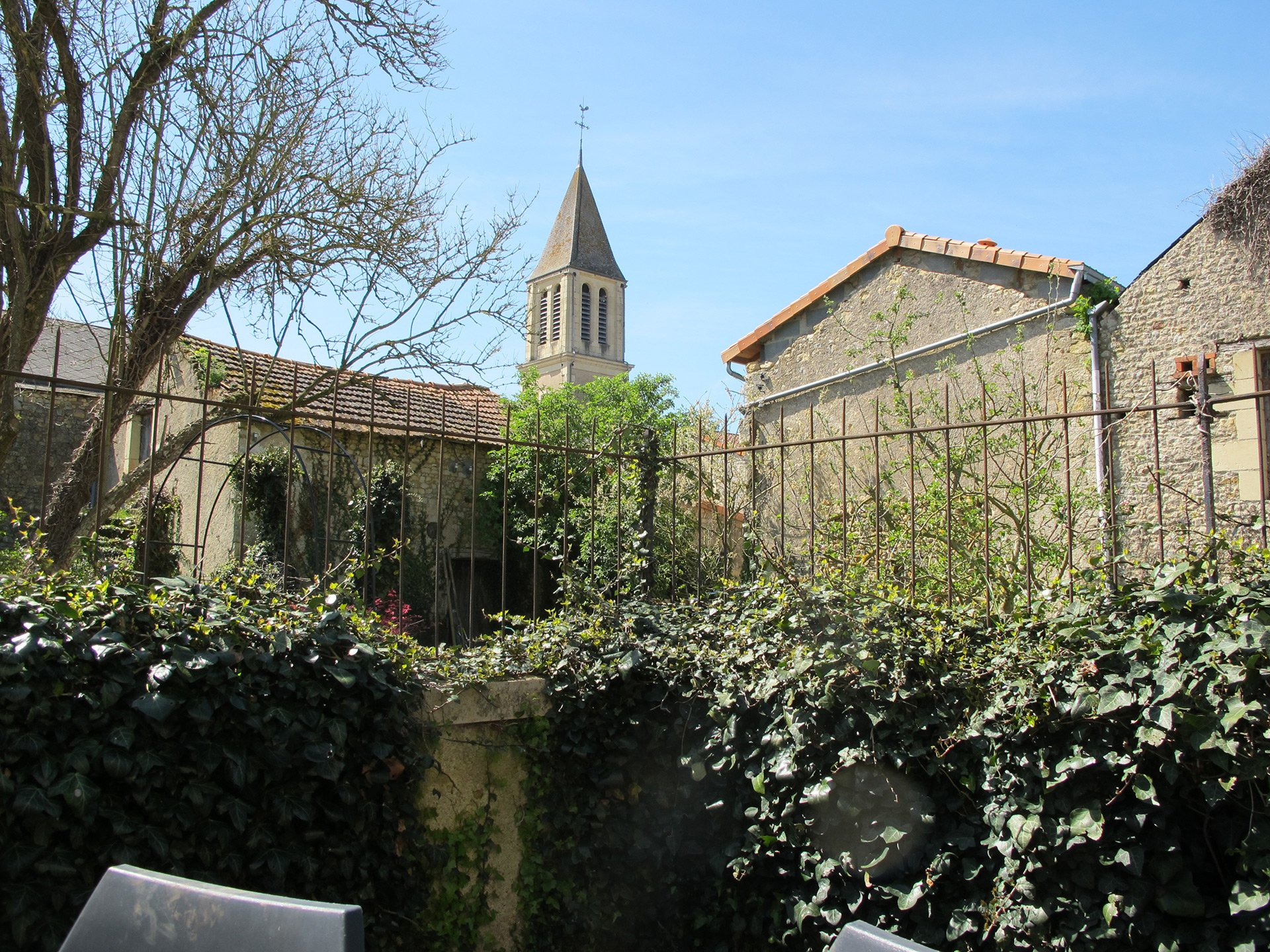 Courtyard facing the Abbey